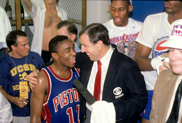 Isiah Thomas and Brent Musburger :: V.J. Lovero/SI