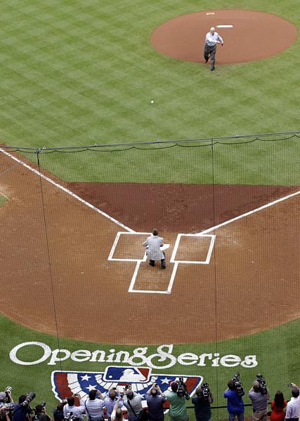 Nolan Ryan and Craig Biggio (Astros) :: AP