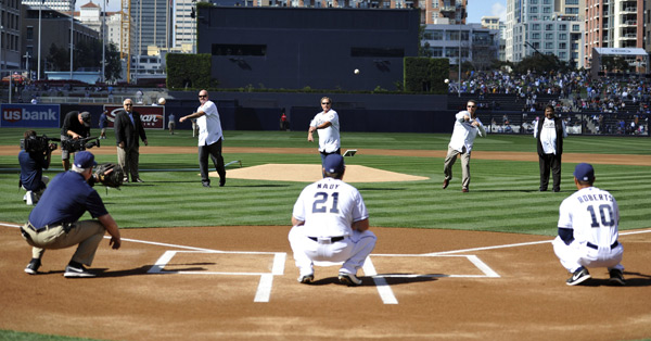 David Wells, and Brian Giles and Mark Loretta (Padres) :: USA TODAY Sports