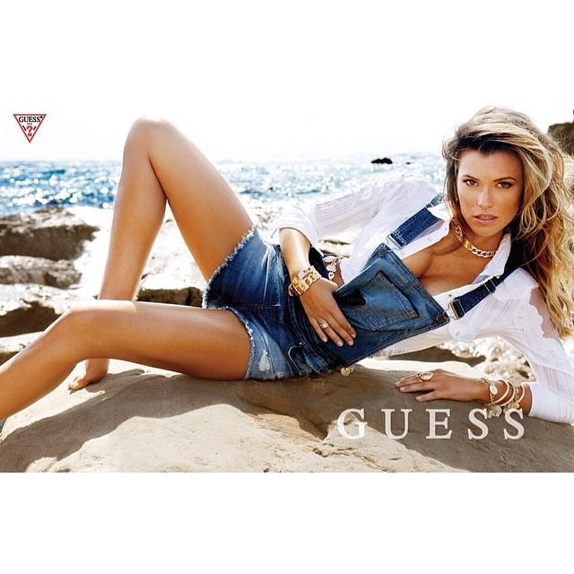 Samantha Hoopes :: @samanthahoopes_