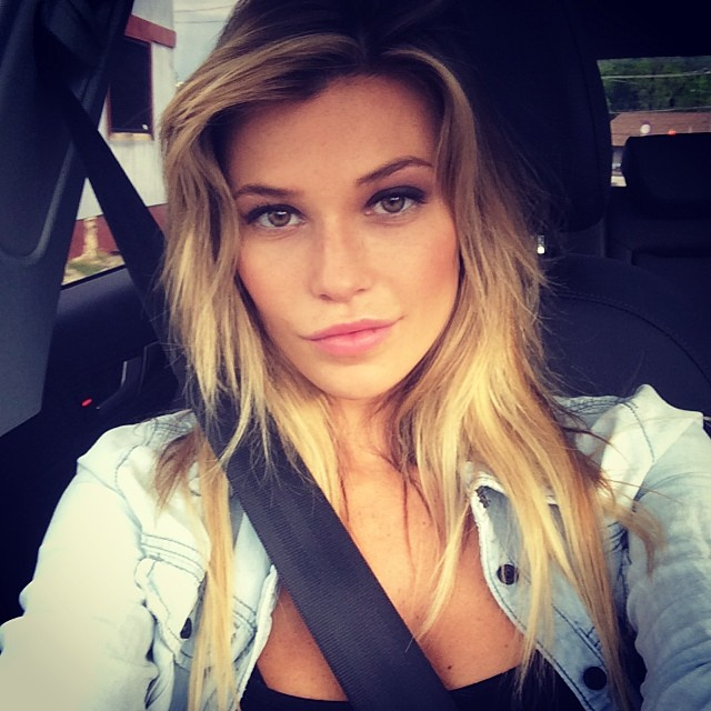 @samanthahoopes buckles up in the 305