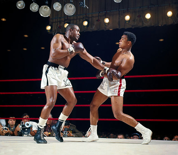 Cassius Clay and Sonny Liston :: Neil Leifer/SI