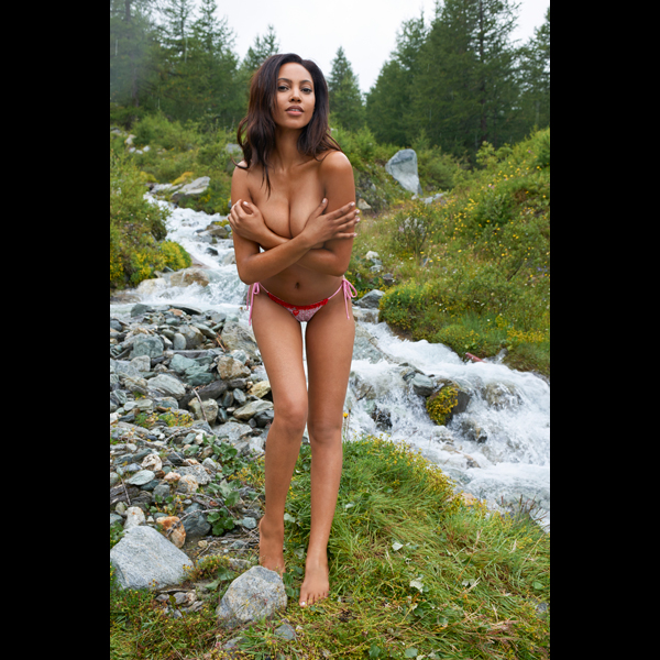 Ariel Meredith in Switzerland, Swimsuit 2014 :: Yu Tsai/SI