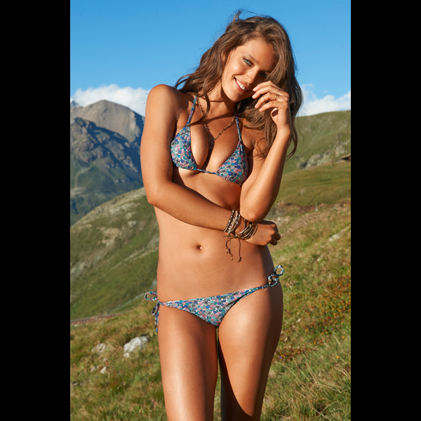 Emily DiDonato in Switzerland, Swimsuit 2014 :: Yu Tsai/SI