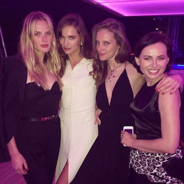 @annev_official spends QT with some Russian lovelies