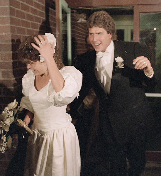 Dan Marino and Claire Veazey :: AP