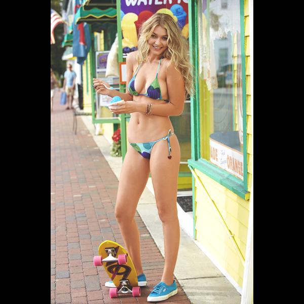 Gigi Hadid at the Jersey Shore, Swimsuit 2014 :: Ben Watts/SI