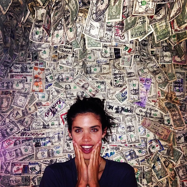 @sarasampaio—baby she's got the money, don't you worry