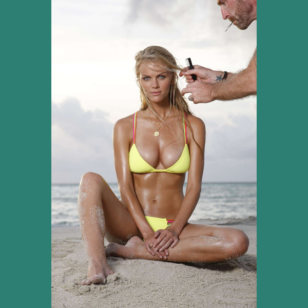 Brooklyn Decker in the Maldives, Swimsuit 2010 :: Walter Iooss Jr./SI