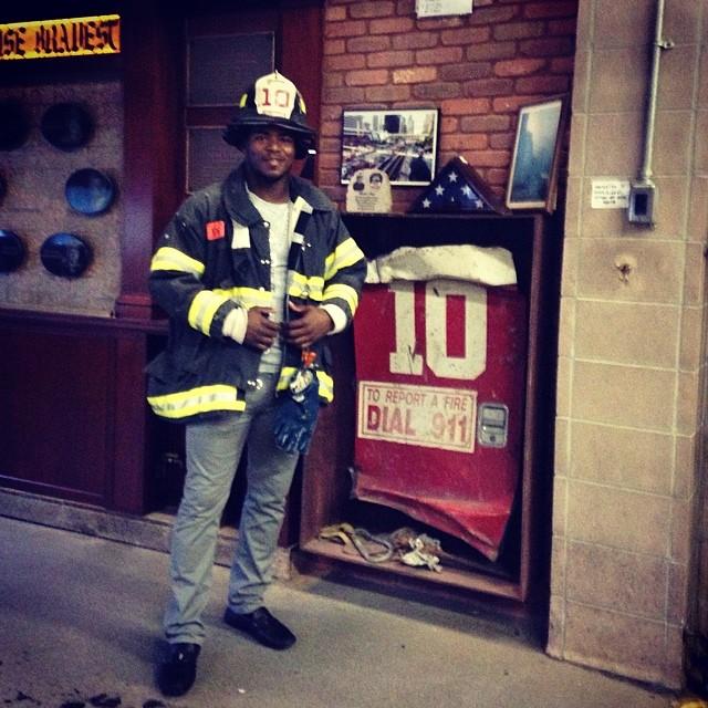 Lo que hacen estas personas por la ciudad es muy importante gracias diós los bendiga #bomberos #911 #baseball #mlbfancave #mlb #newyork