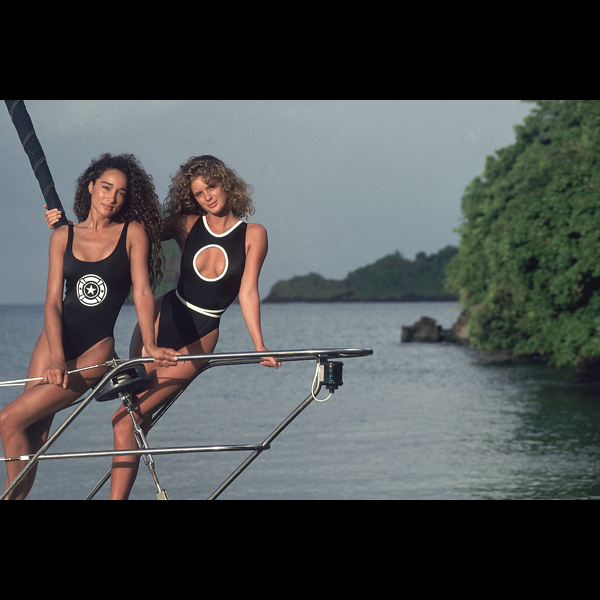 Sabrina Barnett and Rachel Hunter in St. Vincent, 1990 :: Robert Huntzinger/SI