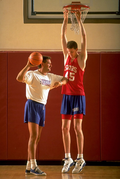 Shawn Bradley and Jeff Ruland, 1993 :: Damian Strohmeyer/SI
