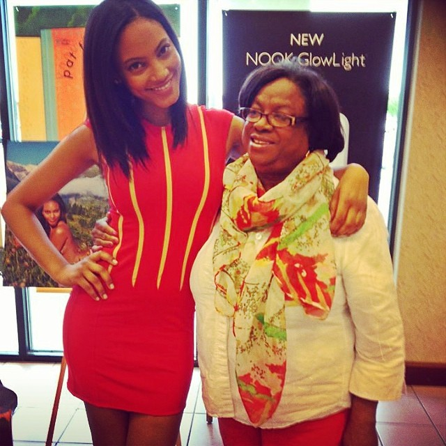 @1arielmeredith: Happy Mothers Day Ma!!! Love you!