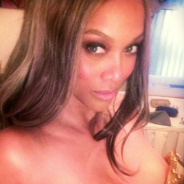 @tyrabanks: selfi-ESTEEM break at #FlawsomeBall2014! Lemme see URs!