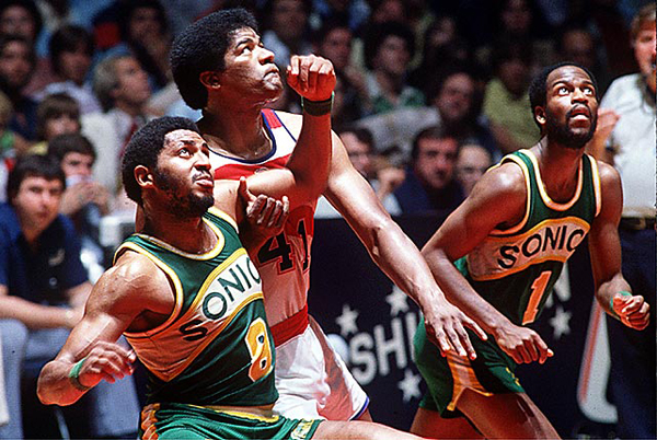 Lonnie Shelton and Wes Unseld, 1979 :: Manny Millan/SI