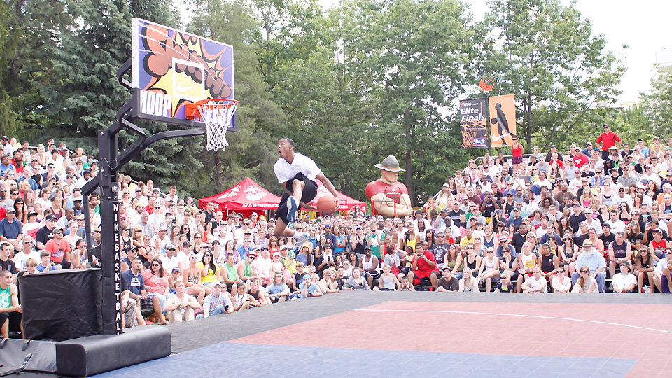 World Biggest In The Dunk: The World's Largest 3-on-3 Basketball Tournament, Hoopfest