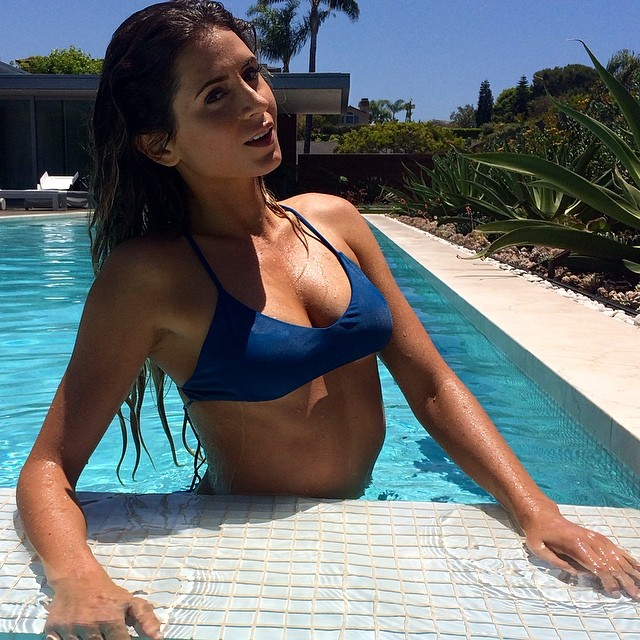 @anastasiaashley: It's bikini season emoji always ready thanks to @bikinireadylifestyle