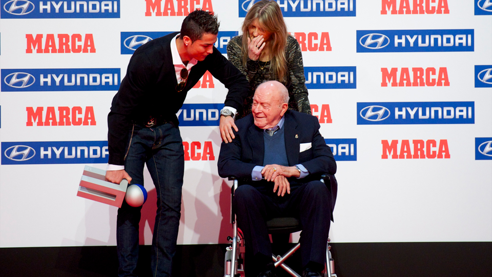 From one Real Madrid legend to another: This past December, Alfredo Di Stefano presents Cristiano Ronaldo with the Alfredo Di Stefano Award, given by Spanish outlet Marca to La Liga's player of the season.