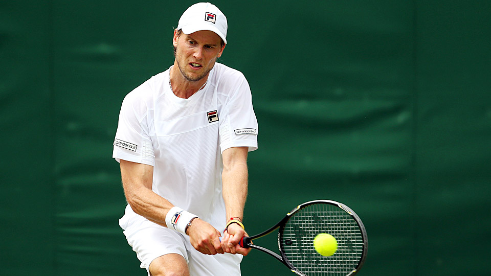 Italy's Andreas Seppi defeated Canadian qualifier Brayden Schnur 6-3, 6-3 after a rain delay of more than two hours.