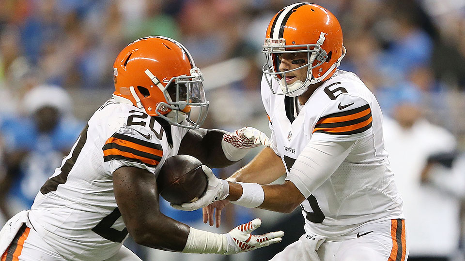 NFL preseason notebook: Why Brian Hoyer should start over Johnny Manziel and other training camp observations
