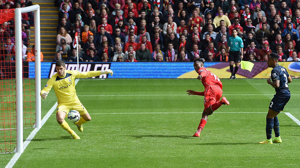 Daniel Sturridge's late goal gave Liverpool a win over Southampton on opening weekend in the English Premier League.