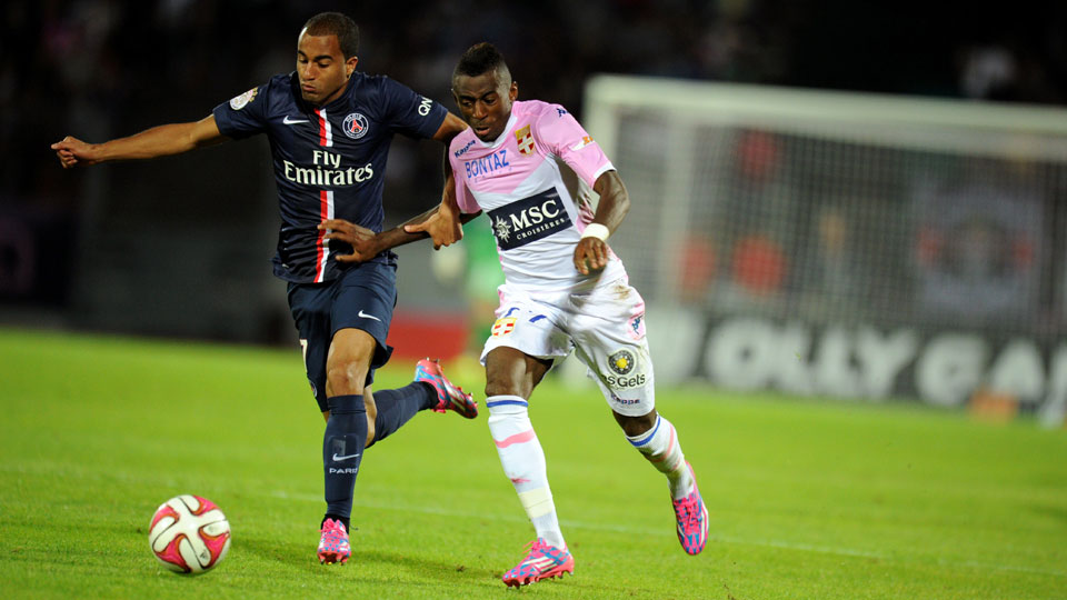 Lucas Moura and the rest of Paris Saint-Germain couldn't break the deadlock against Evian in Ligue 1 on Friday.