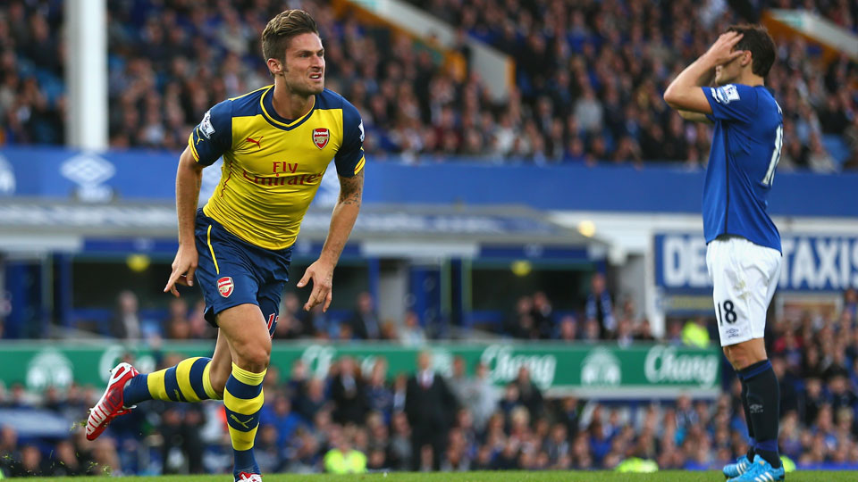 Olivier Giroud scored the equalizing goal in the 89th minute as Arsenal fought back for a 2-2 draw against Everton at Goodison Park.