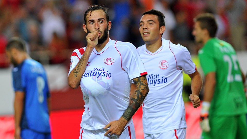 Aleix Vidal scored for Sevilla as the team remained unbeaten to open the La Liga season.