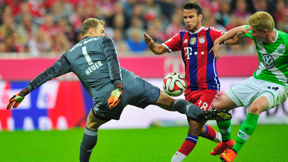 Bayern Munich goalkeeper Manuel Neuer (1) and his aggressive style of defending will take center stage against Manchester City in the opening day of Champions League Group E play.