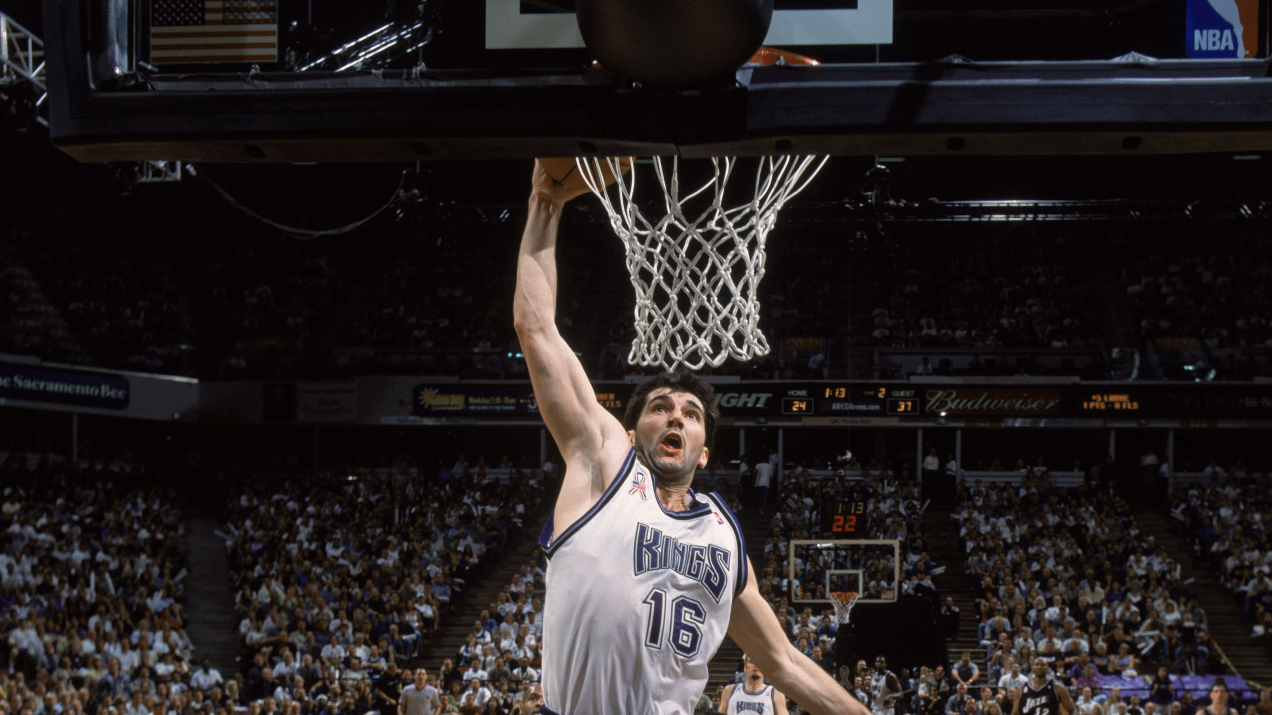 Sacramento Kings will retire Peja Stojakovic s jersey on Dec 16