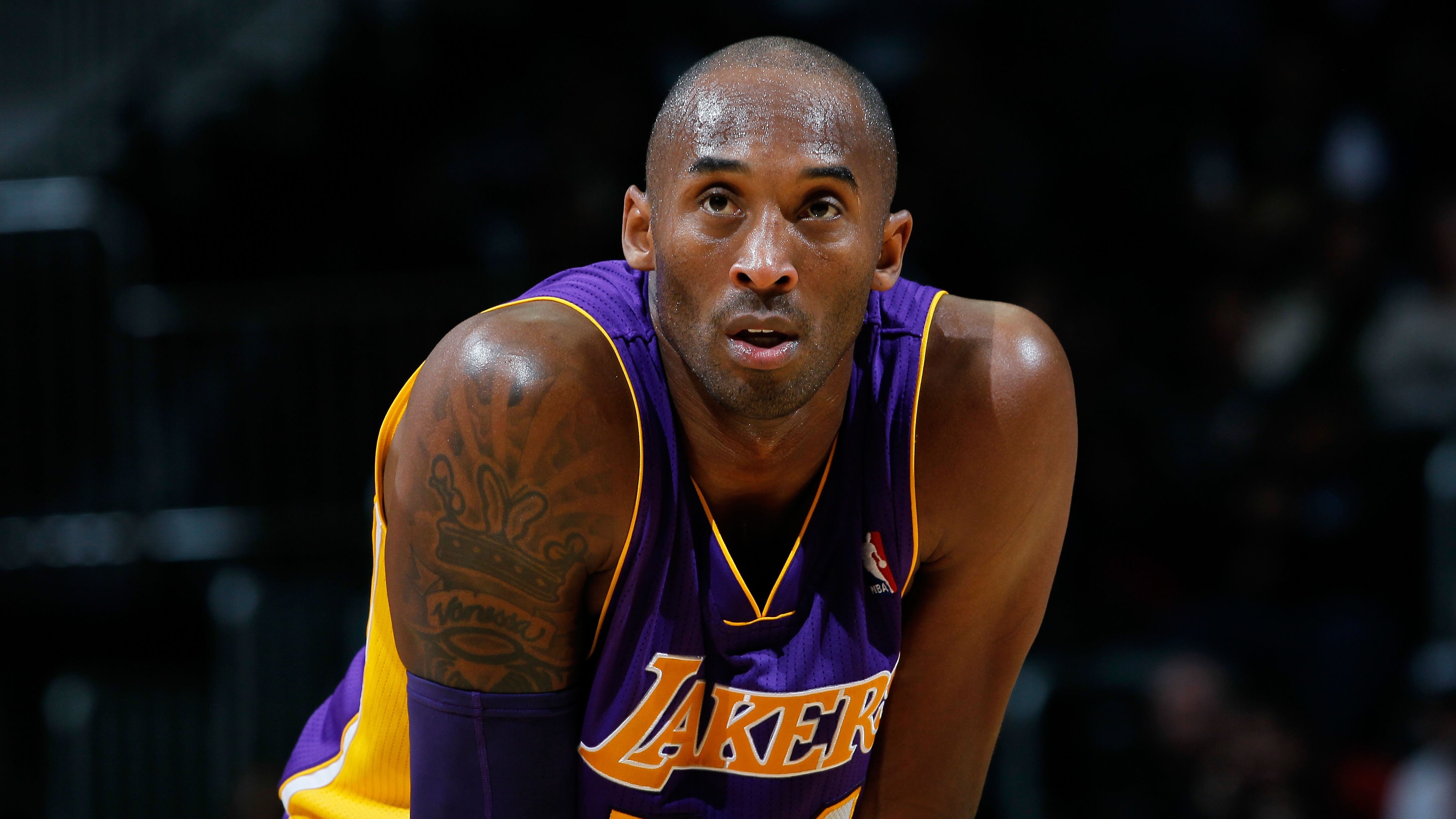 Los Angeles Lakers' Kobe Bryant plans to play in all eight