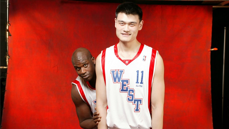 Shaq looks small next to Yao Ming | SI.com