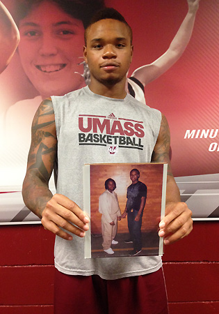Before every game, Derrick Gordon looked at this photo of his brother.