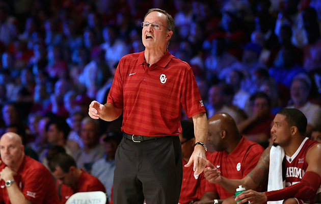 Oklahoma coach Lon Kruger sports a polo at the Battle 4 Atlatnis tournament.