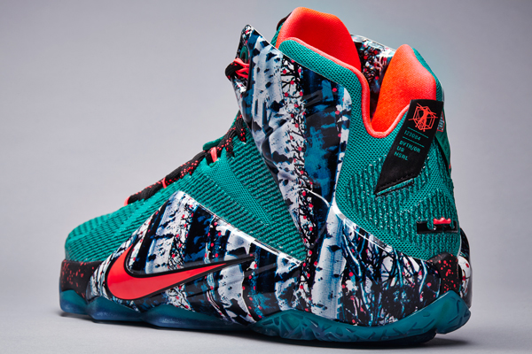 Lebron James Christmas Shoes 2015 | Model Aviation