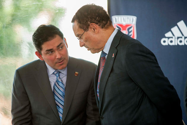 D.C. United managing partner Jason Levien, left, speaks with D.C. mayor Vincent Gray.