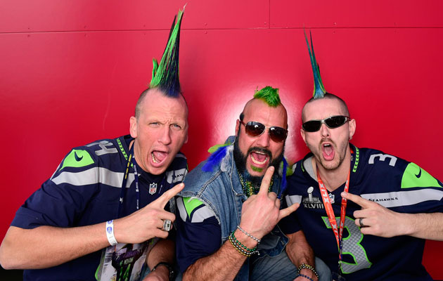 Seattle-Seahawks-fans-hair-2