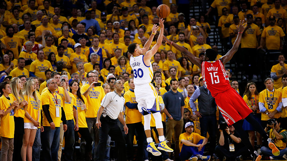 Video: Warriors Stephen Curry hits buzzer beater vs Rockets | SI.com