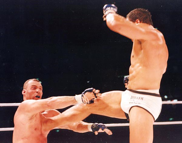 Mark Kerr kicks Hugo Duarte at Pride 4 in Tokyo, Japan, Oct. 11, 1998.