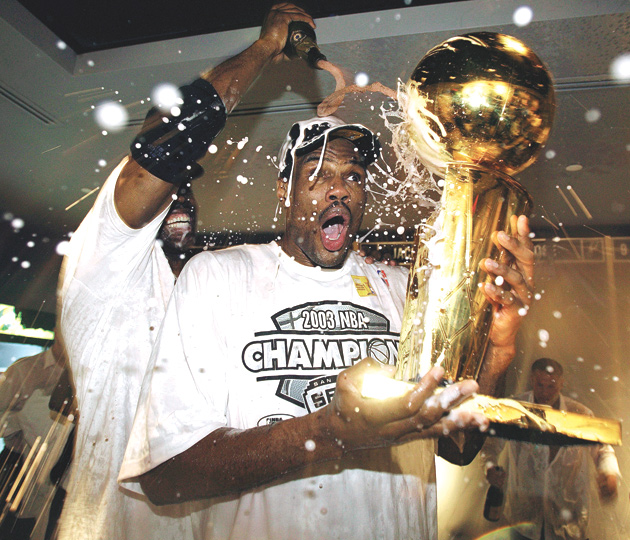 David Robinson, San Antonio Spurs celebrate their 2003 NBA championship.