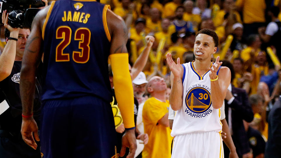 Video: Stephen Curry shakes LeBron James, drains jumper in Game 1 win | SI.com