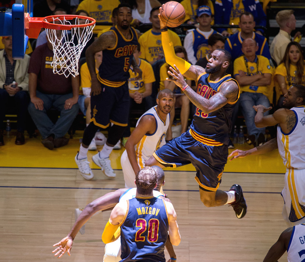 LeBron James, Cleveland Cavaliers beat the Golden State Warriors, Stephen Curry in Game 2 of the NBA Finals.