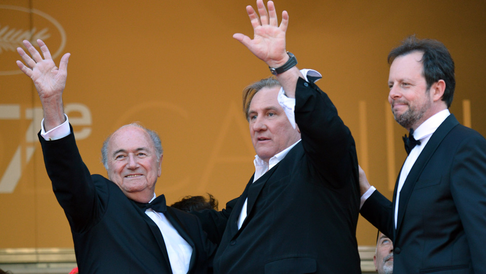 Sepp Blatter (left) with French actor Gerard Depardieu and French director Frederic Auburtin.