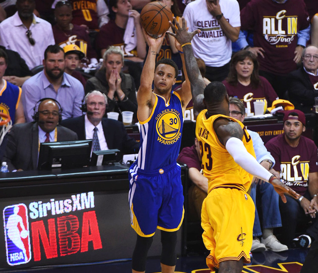 Stephen Curry, Golden State Warriors fell to LeBron James, Cleveland Cavaliers in Game 3 of NBA Finals.