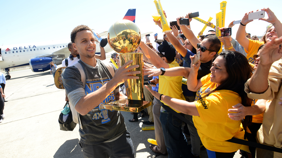 Watch Golden State Warriors championship parade: Live ...