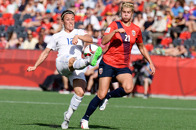 Lucy Bronze scored in the 76th minute to give England a win over Norway.
