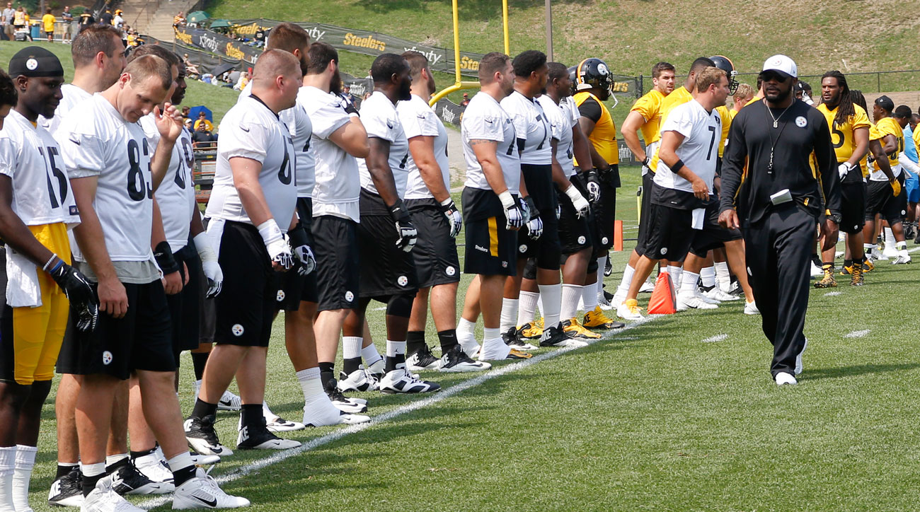 Mike Tomlin at 2015 Pittsburgh Steelers training camp