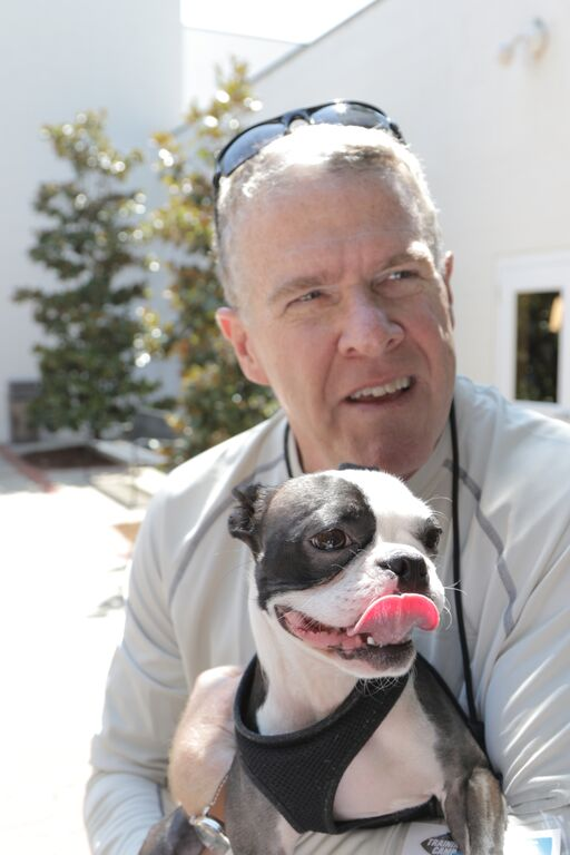 Peter King meets Blitz, Wofford College's Boston Terrier Mascot