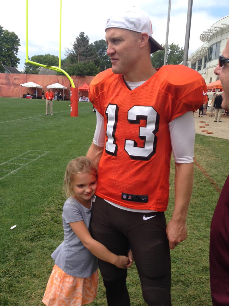 Josh McCown's daughter begs him for a puppy at Browns training camp.
