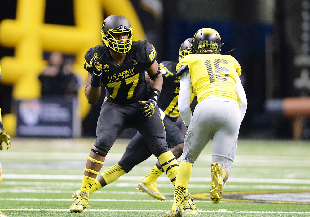 Martez Ivey playing in the 2015 U.S. Army All-American Bowl.